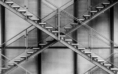 Realizzazione di scale in acciaio per la sicurezza e di design